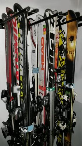Guarda esquís 12 pares 12 bastones